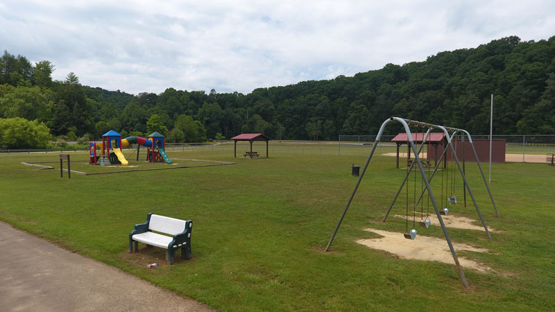 Lake Tephens Play Grounds Picture 2nd